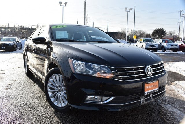 Certified Pre-Owned 2016 Volkswagen Passat 1.8T SE w/Technology/PZEV