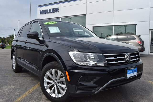 Certified Pre-Owned 2018 Volkswagen Tiguan 2.0T SE Sunroof